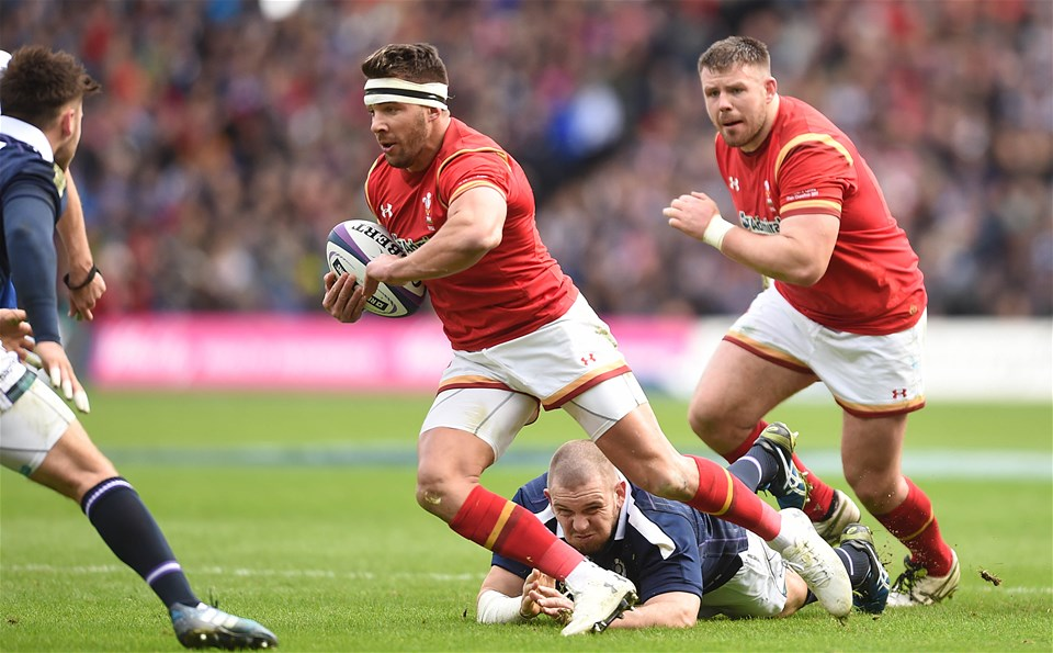 25.02.17 - Scotland v Wales - RBS 6 Nations 2017 -Rhys Webb of Wales gets past Gordon Reid of Scotland.