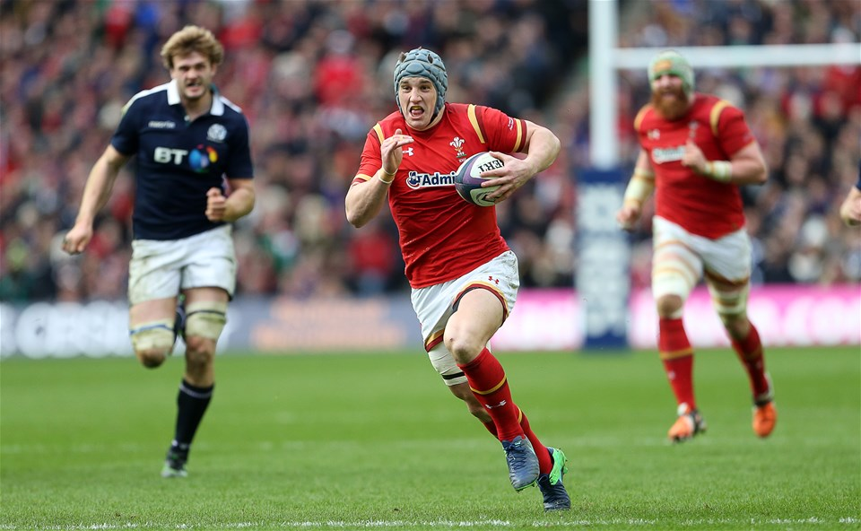 25.02.17 - Scotland v Wales - RBS 6 Nations Championship - Jonathan Davies of Wales makes break.