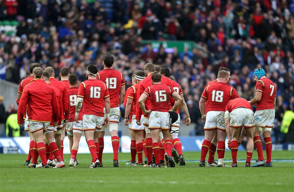 25.02.17 - Scotland v Wales - RBS 6 Nations Championship - Dejected Wales at full time.