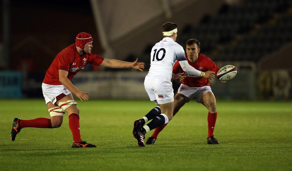 09.02.18 - England U20 v Wales U20 - NatWest 6 Nations - James Grayson of England and Cai Evans and Jack Pope of Wales.