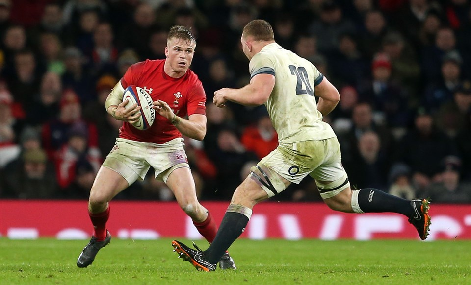 10.02.18 - England v Wales - Natwest 6 Nations - Gareth Anscombe of Wales is tackled by Sam Underhill of England.