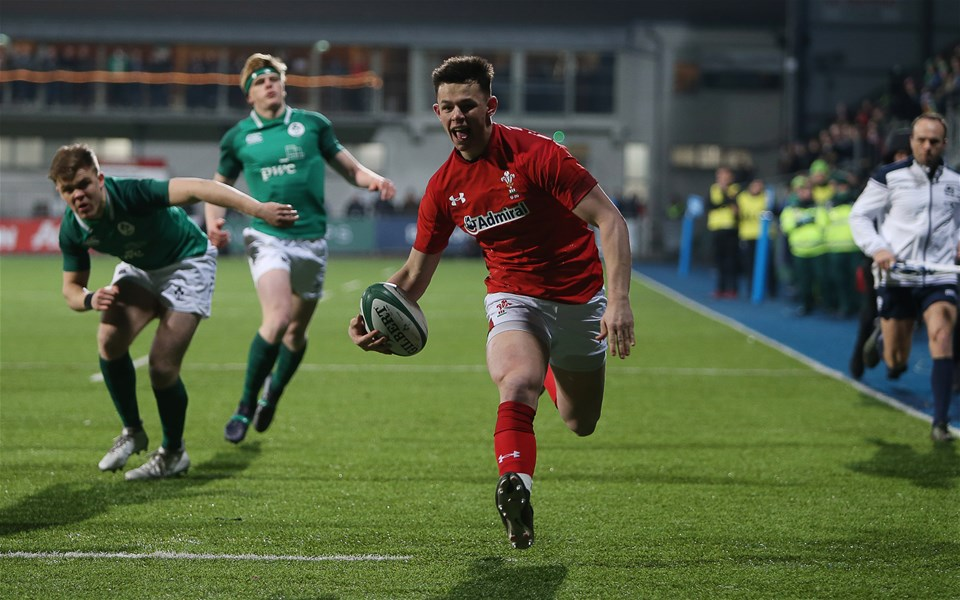 23.02.18 - Ireland U20s v Wales U20s - Natwest 6 Nations - Tommy Rogers of Wales runs in to score a try.