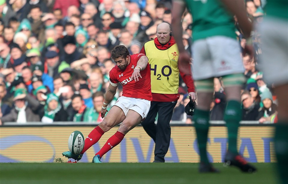 24.02.18 - Ireland v Wales - Natwest 6 Nations - Leigh Halfpenny of Wales kicks a penalty.