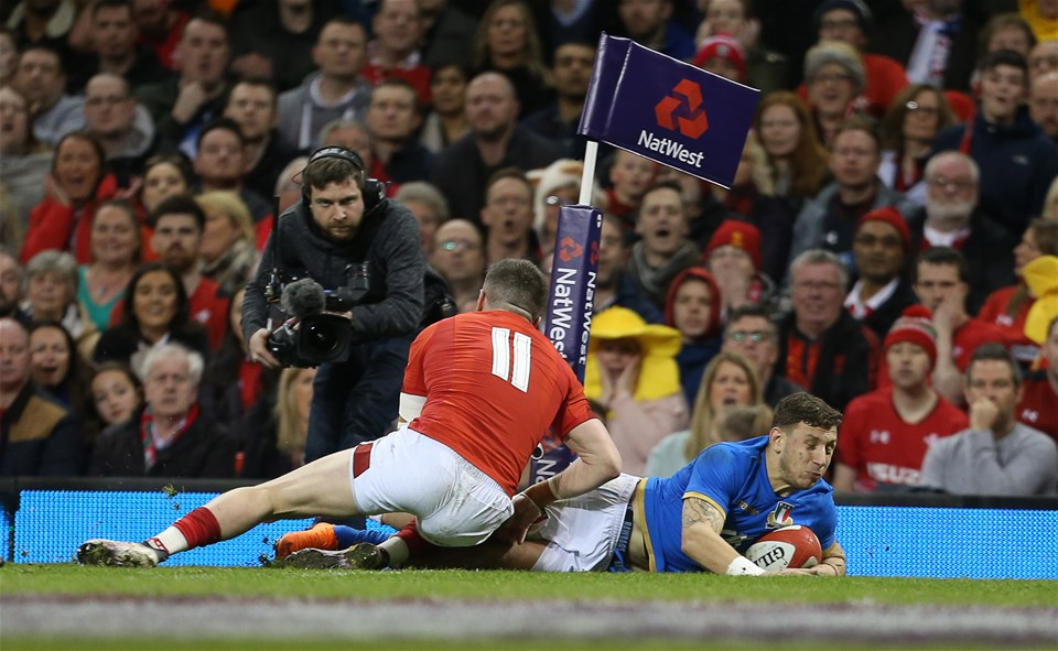 11.03.18 - Wales v Italy - Natwest 6 Nations Championship - Matteo Minozzi of Italy dives over the line to score a try.