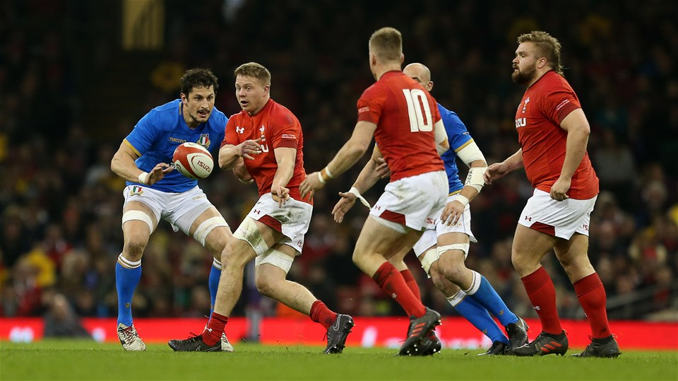 11.03.18 - Wales v Italy - Natwest 6 Nations Championship - James Davies passes to Gareth Anscombe of Wales.