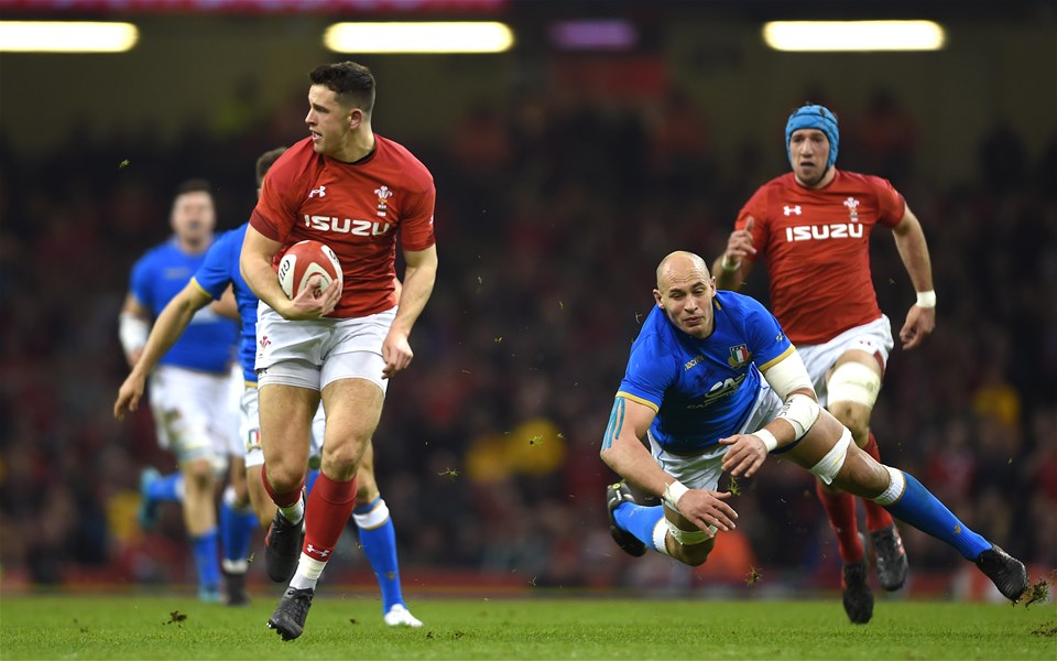 11.03.18 - Wales v Italy - NatWest 6 Nations 2018 -Owen Watkin of Wales gets past Sergio Parisse of Italy.
