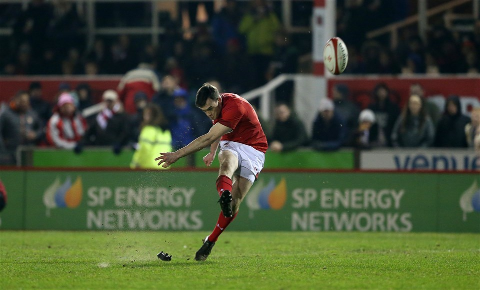 16.03.18 - Wales U20s v France U20s - Natwest 6 Nations Championship - Cai Evans of Wales kicks a penalty.