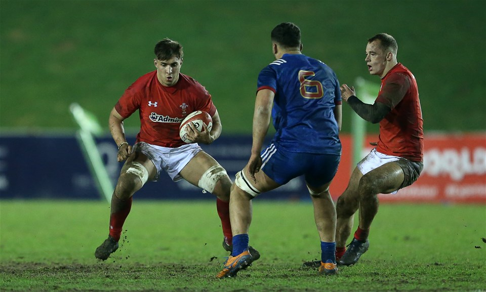 16.03.18 - Wales U20s v France U20s - Natwest 6 Nations Championship - Taine Basham of Wales is challenged by Sacha Zegueur of France.
