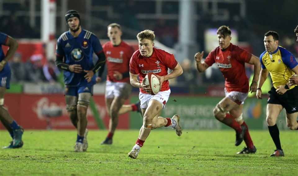 16.03.18 - Wales U20s v France U20s - Natwest 6 Nations Championship - Harri Morgan of Wales makes a break.