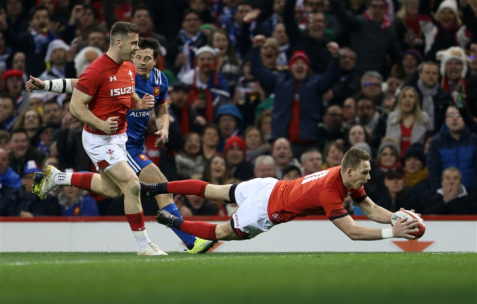 17.03.18 - Wales v France - Natwest 6 Nations Championship - Liam Williams of Wales dives over to score a try.