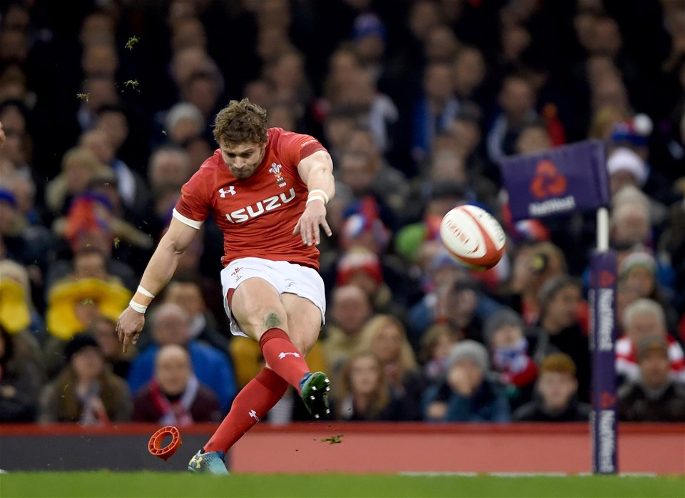 17.03.18 - Wales v France - NatWest 6 Nations - Leigh Halfpenny of Wales kicks at goal