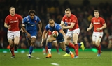 17.03.18 - Wales v France, NatWest 6 Nations 2018 - Gael Fickou of France looks to claim the ball under pressure from Hadleigh Parkes of Wales
