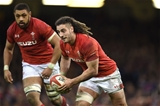 17.03.18 - Wales v France - NatWest 6 Nations 2018 -Josh Navidi of Wales looks for a way through.