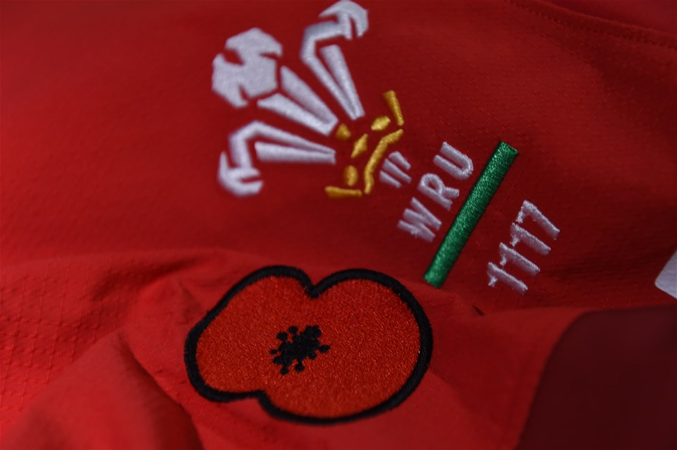 10.11.18 - Wales v Australia - Under Armour Series - Poppy on the Wales jersey
