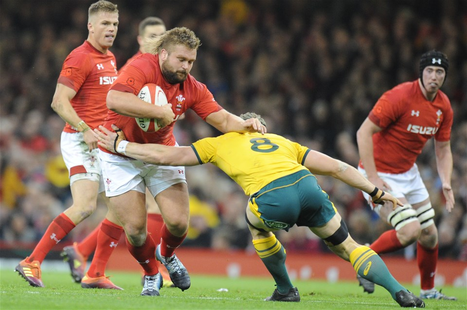 10.11.18 - Wales v Australia - Under Armour Series 2018 - Tomas Francis of Wales is tackled by David Pocock of Australia
