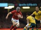 10.11.18 - Wales v Australia - Under Armour Series - Jonathan Davies of Wales takes on Will Genia of Australia.