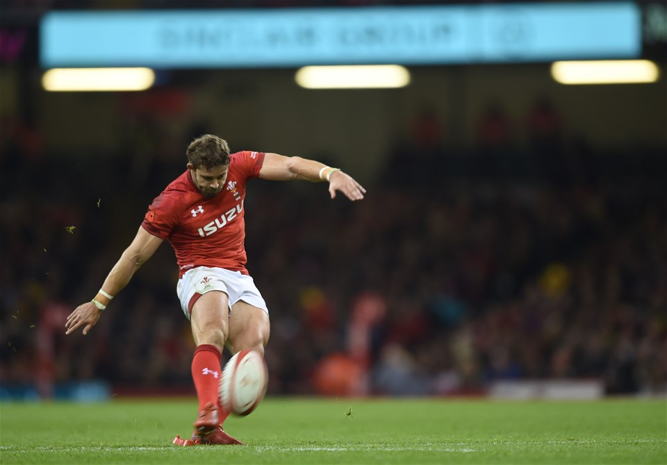 10.11.18 - Wales v Australia - Under Armour Series - Leigh Halfpenny of Wales kicks for goal.