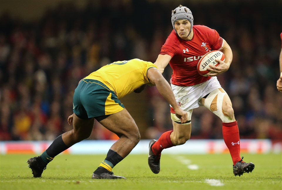 10.11.18 - Wales v Australia, Under Armour Series 2018 - Jonathan Davies of Wales is tackled by Samu Kerevi of Australia