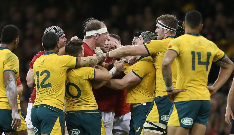 10.11.18 - Wales v Australia - Under Armour Series 2018 - Alun Wyn Jones of Wales has a misunderstanding with David Pocock of Australia.