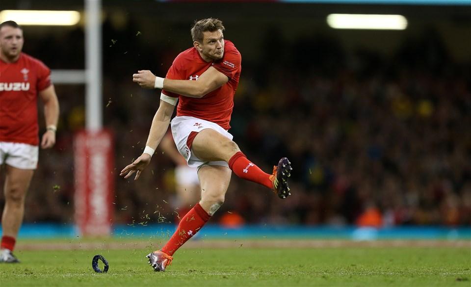 10.11.18 - Wales v Australia - Under Armour Series 2018 - Dan Biggar of Wales kicks a penalty to make the score 9-6.