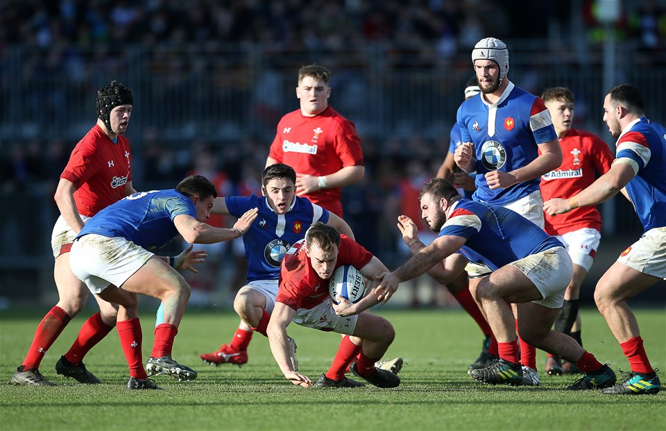 03.02.19 - France U20s v Wales U20s - U20s 6 Nations Championship - Cai Evans of Wales takes the ball to ground.