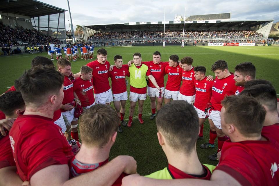 03.02.19 - France U20s v Wales U20s - U20s 6 Nations Championship - Wales team huddle post match.