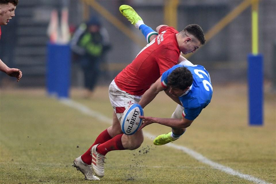10.02.19 - Italy v Wales - Guinness U20 Six Nations - Deon Smith tackles Giacomo Da Re