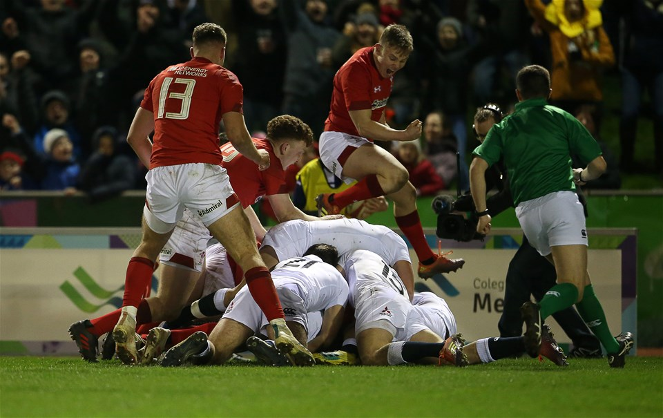 22.02.19 - Wales U20s v England U20s - U20s 6 Nations Championship - Deon Smith of Wales pushes over to score the winning try.