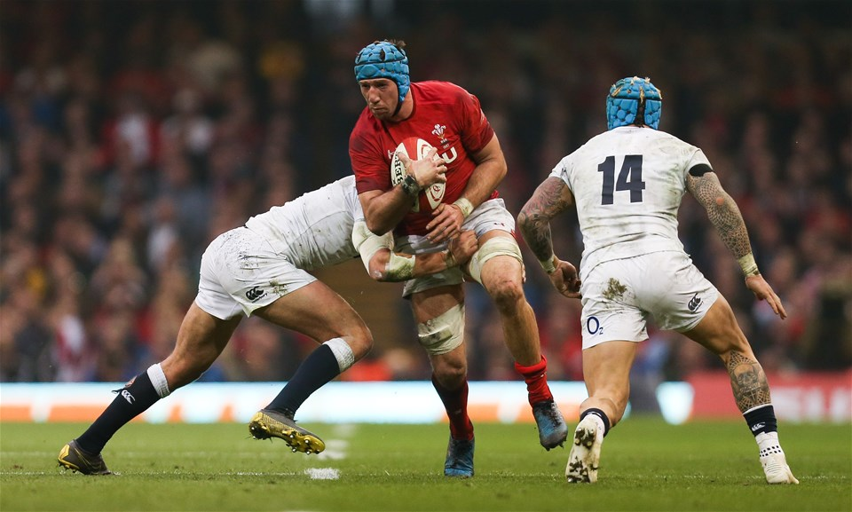 23.02.19 - Wales v England, Guinness Six Nations - Justin Tipuric of Wales is tackled by Henry Slade of England and Jack Nowell of England