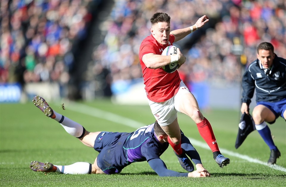 09.03.19 - Scotland v Wales - Guinness 6 Nations - Josh Adams of Wales beats Blair Kinghorn of Scotland to score a try.