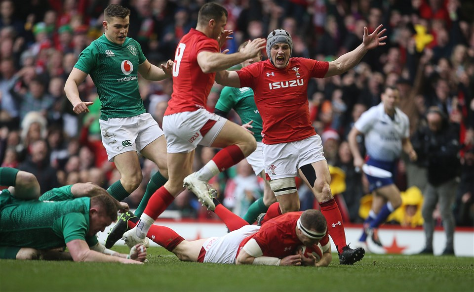 16.03.19 - Wales v Ireland - Guinness 6 Nations Championship - Hadleigh Parkes of Wales scores a try.