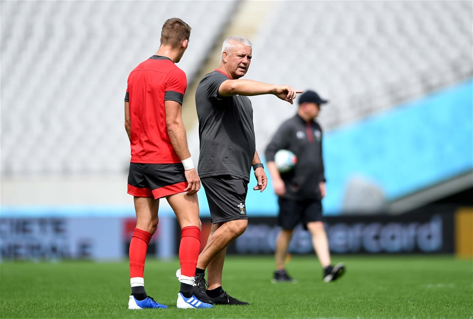 28.09.19 - Wales Rugby Training -Liam Williams and Warren Gatland during training.