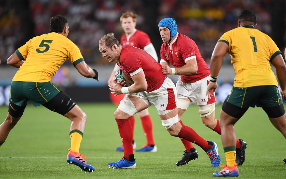 29.09.19 - Australia v Wales - Rugby World Cup - Alun Wyn Jones with Justin Tipuric of Wales takes on Rory Arnold of Australia