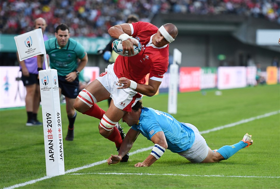 13.10.19 - Wales v Uruguay - Rugby World Cup - Pool D - Aaron Shingler of Wales is pushed into touch by Nicolas Freitas of Uruguay.