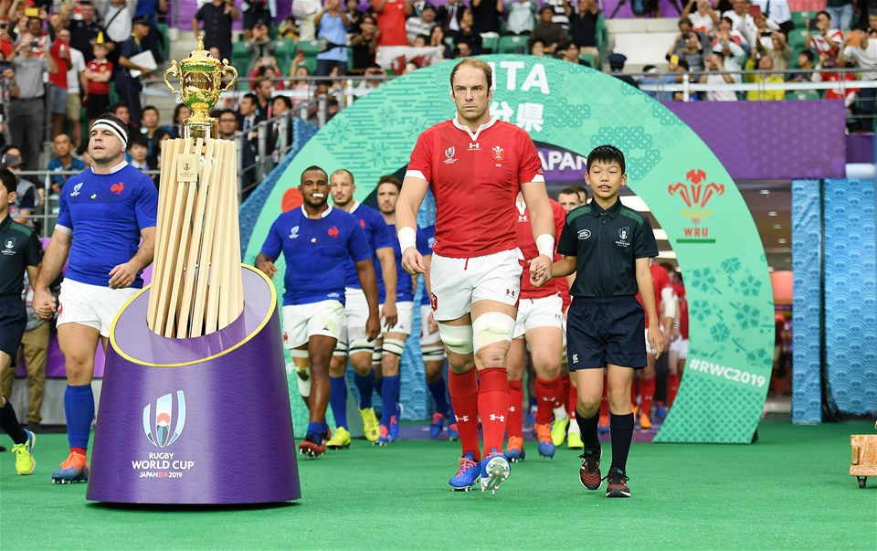 20.10.19 - Wales v France - Rugby World Cup Quarter Final - Alun Wyn Jones of Wales looks towards the World Cup as he runs out onto the pitch.