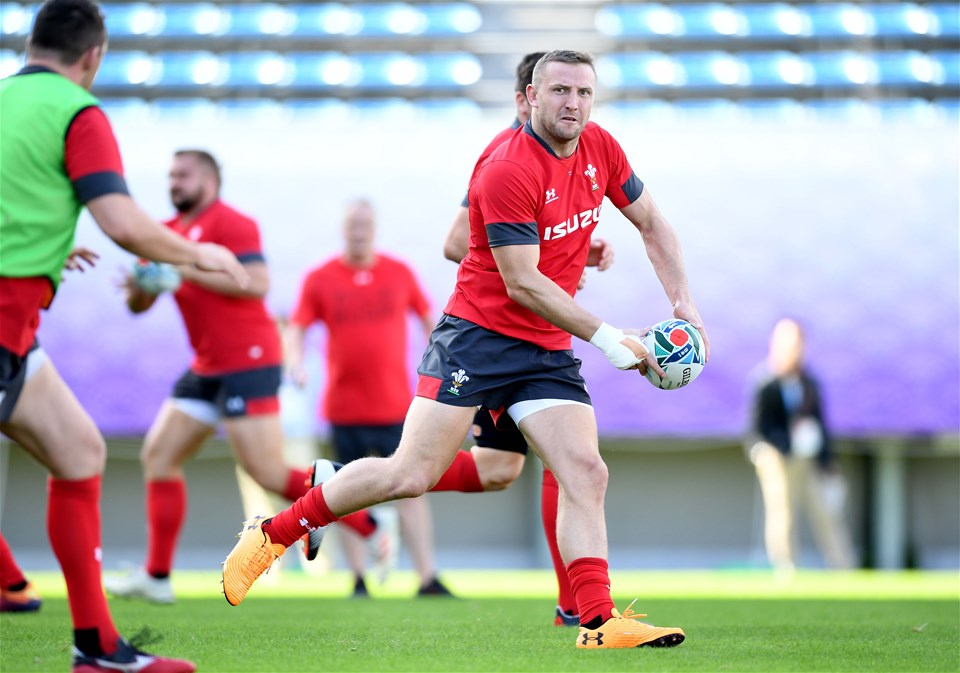 26.10.19 - Wales Rugby Training -Hadleigh Parkes during training.