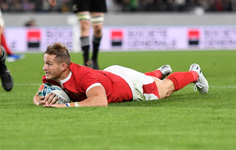 01.11.19 - New Zealand v Wales - Rugby World Cup Bronze Final - Hallam Amos of Wales runs in to score a try.