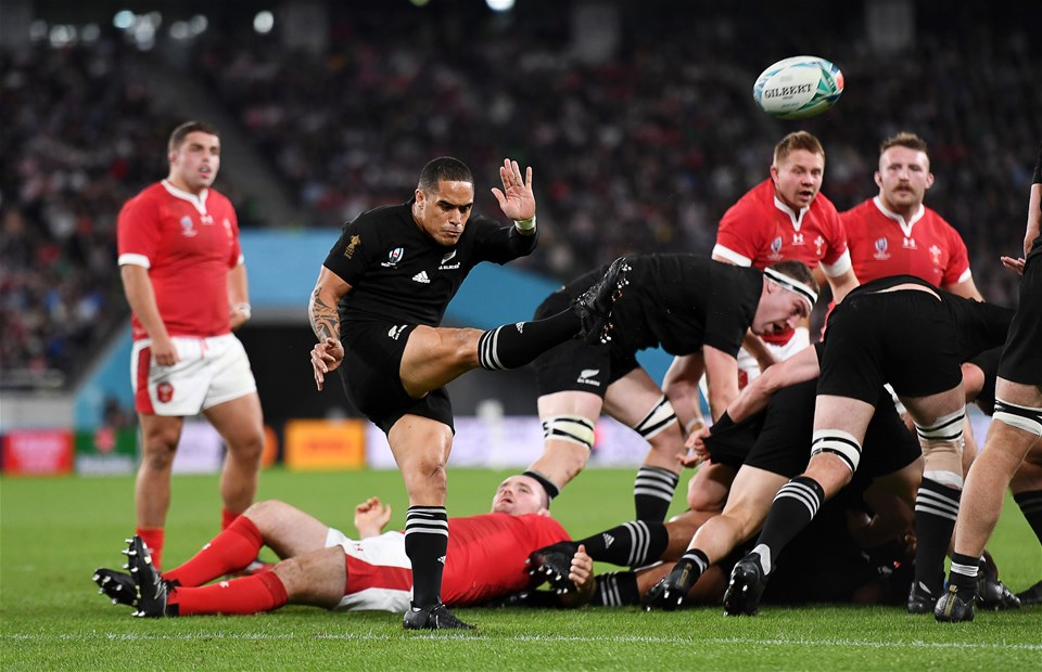 01.11.19 - New Zealand v Wales - Rugby World Cup Bronze Final - Aaron Smith of New Zealand clears the ball.