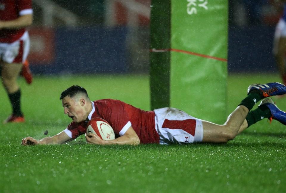 21.02.20 - Wales U20 v France U20, U20 Six Nations Championship 2020 - Ellis Bevan of Wales scores a try